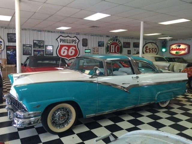 1956 Ford Fairlane Crown Vic | 906989