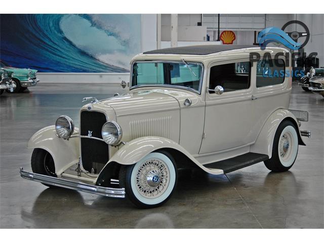 1932 Ford 2-Dr Sedan | 907135