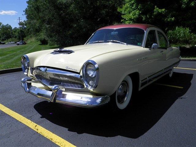1954 Kaiser Manhattan | 907165