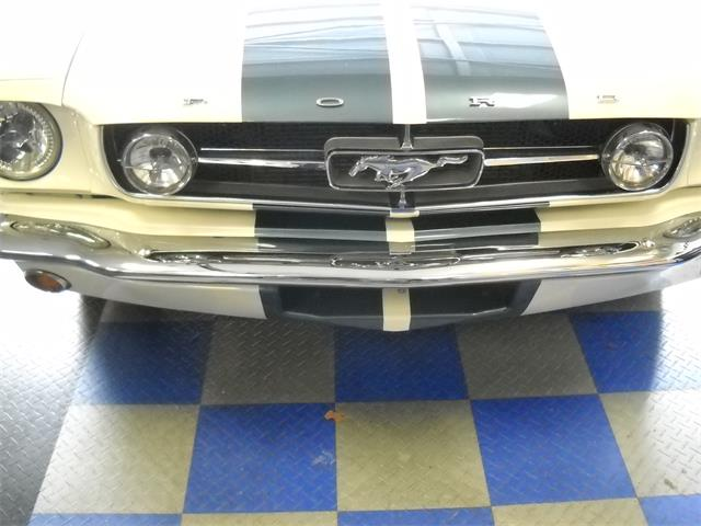 1965 Ford Mustang | 907195