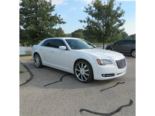 2013 Chrysler 300 | 907319