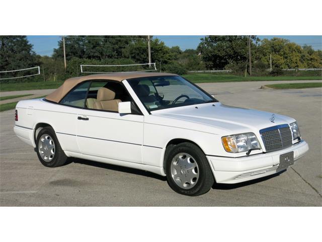 1995 Mercedes-Benz E320 | 907348