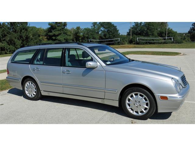 2000 Mercedes-Benz E320 | 907349