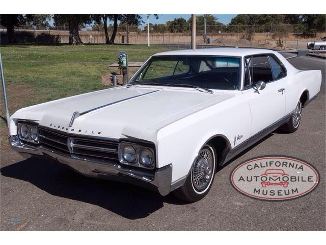 1965 Oldsmobile Starfire | 907611
