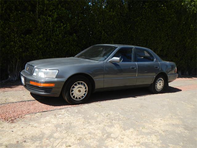 2000 Lexus LS400 | 907623