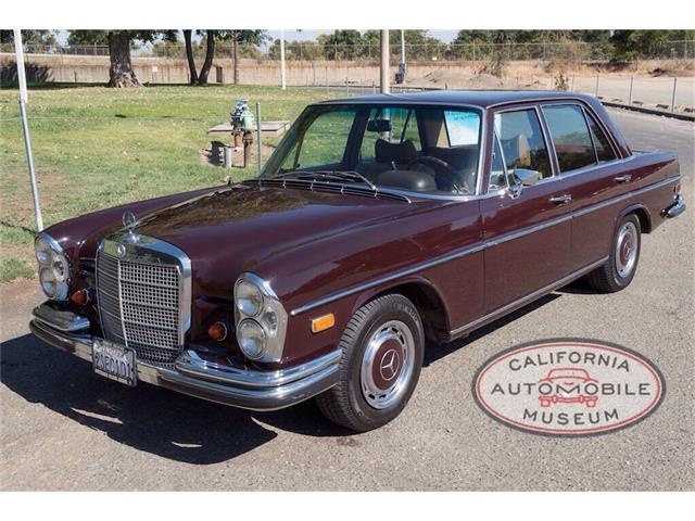 1969 Mercedes-Benz 280S | 907633