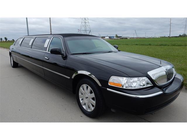 2003 Lincoln Town Car | 907659