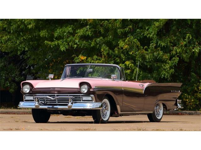 1957 Ford Fairlane 500 | 907682