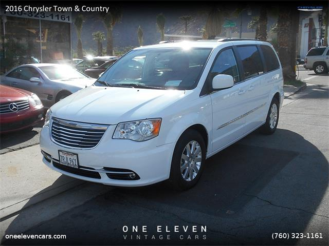 2016 Chrysler Town & Country | 907725
