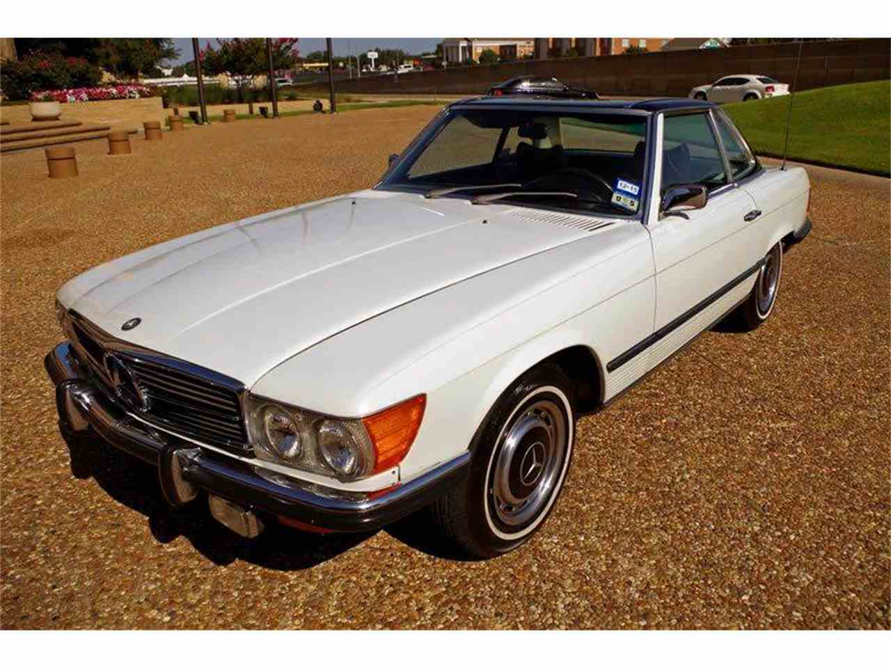 Large Picture of '72 Mercedes-Benz SL-Class - $18,900.00 Offered by European Motor Cars LTD - JGGA