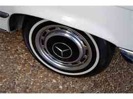 Picture of Classic 1972 SL-Class located in Texas - $18,900.00 Offered by European Motor Cars LTD - JGGA