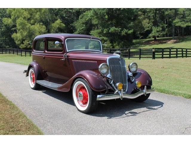 1934 Ford Sedan | 907913
