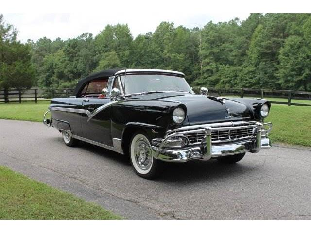 1956 Ford Fairlane CVT | 907916