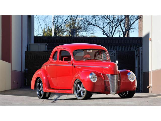 1940 Ford Deluxe   908148