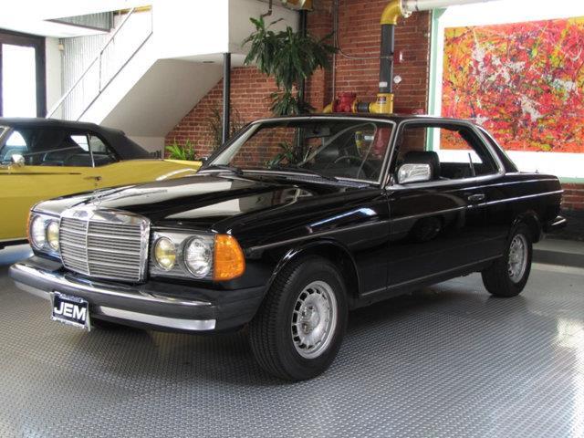 1982 Mercedes-Benz 300 | 908287