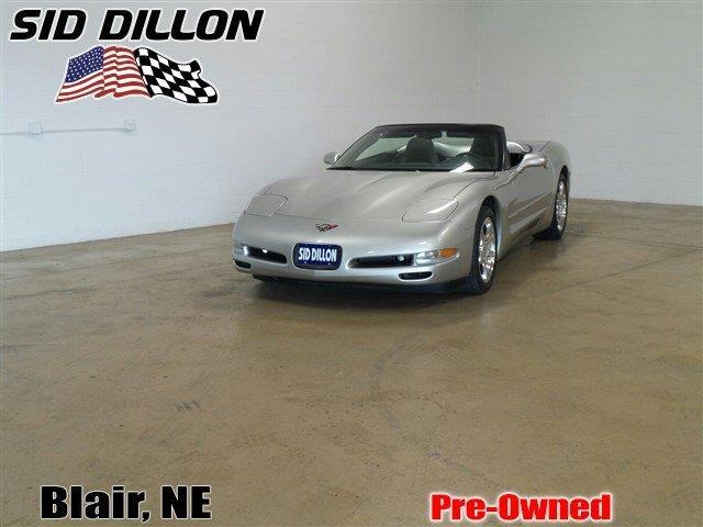 2004 Chevrolet Corvette | 908586