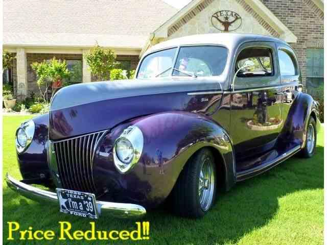 1939 Ford Sedan | 909059