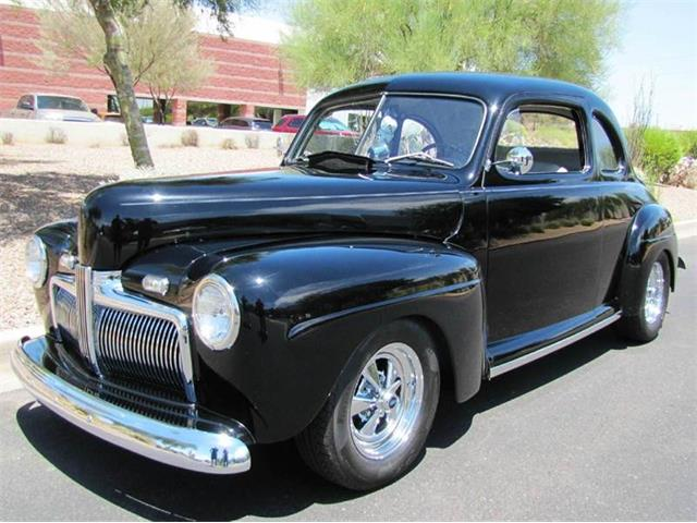 1942 Ford Deluxe | 900092