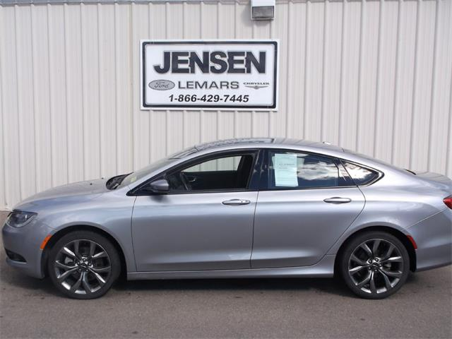 2015 Chrysler 200 | 909402