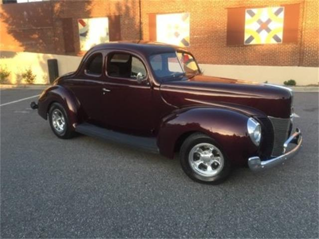 1940 Ford Deluxe | 909435