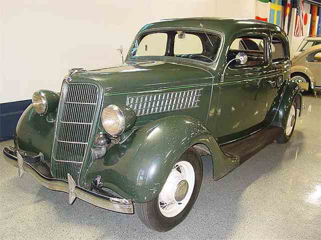 1935 Ford Model 48 | 909957