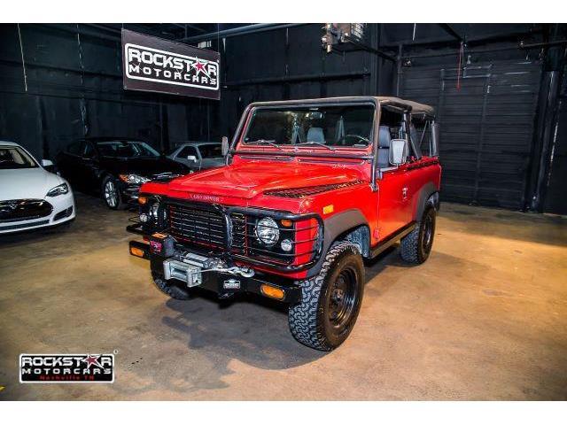 1994 Land Rover Defender   910000