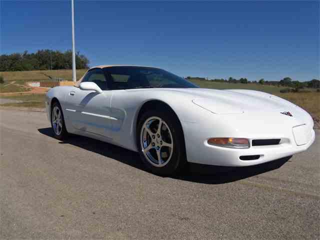 2004 Chevrolet Corvette | 911036