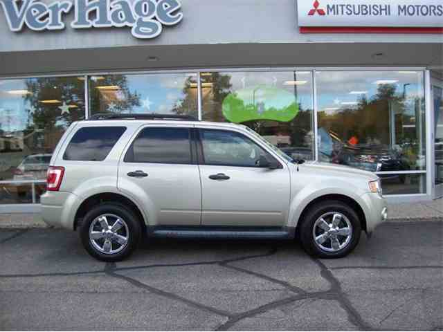 2010 Ford Escape | 911160