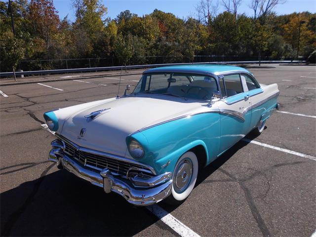1956 Ford Fairlane Victoria | 911231