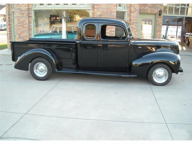 1940 Ford Custom | 911323