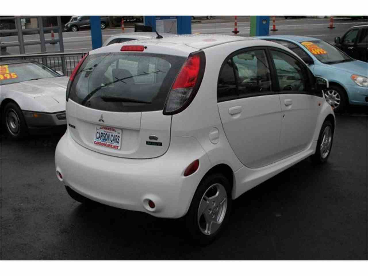 Large Picture of '14 Mitsubishi i-MiEV Offered by Carson Cars - JJJG