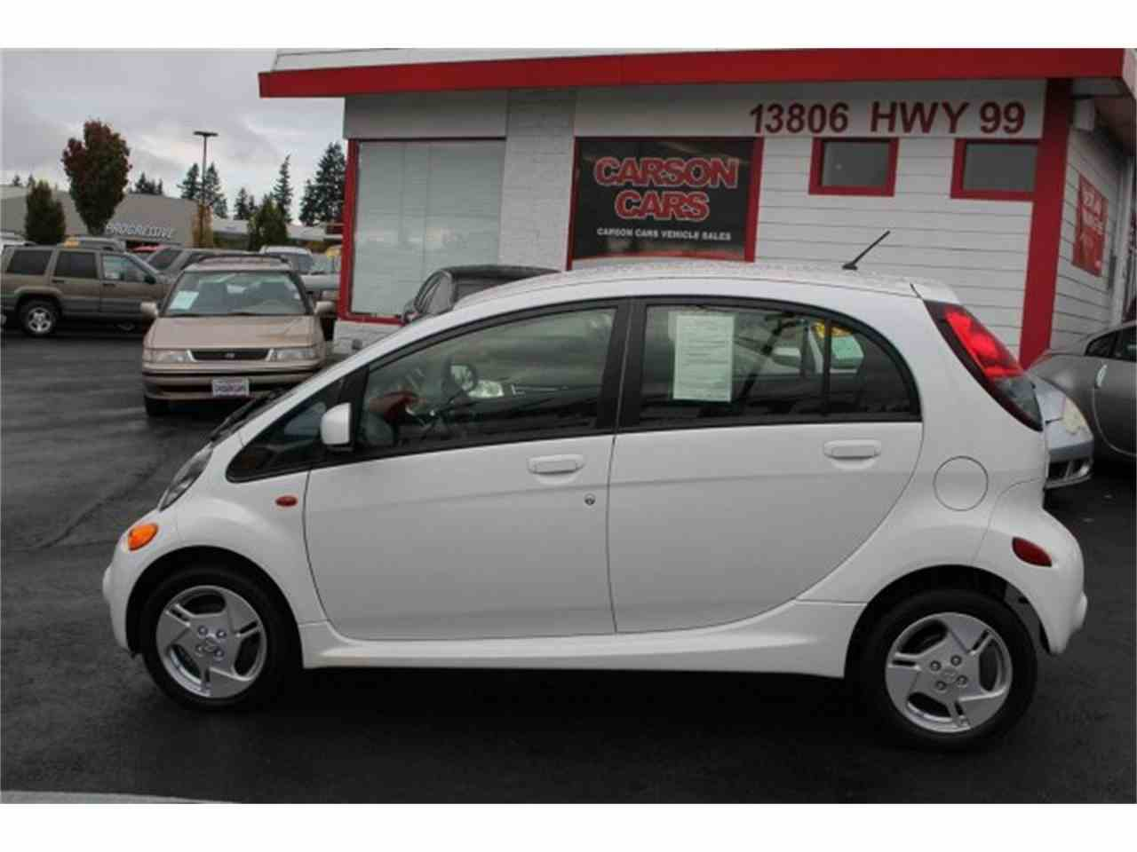 Large Picture of 2014 i-MiEV located in Lynnwood Washington Offered by Carson Cars - JJJG
