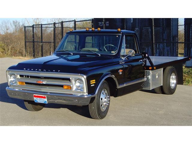 1968 Chevrolet C30 Flatbed | 911844