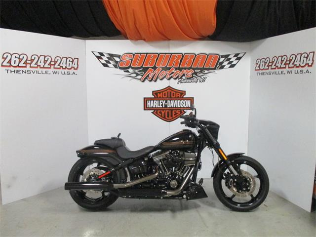 2016 Harley-Davidson® FXSE - CVO™ Pro Street Breakout® | 910193