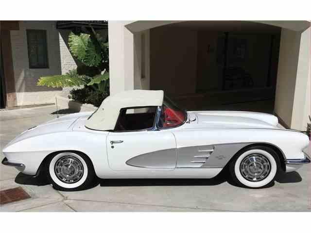 1961 Chevrolet Corvette | 912098