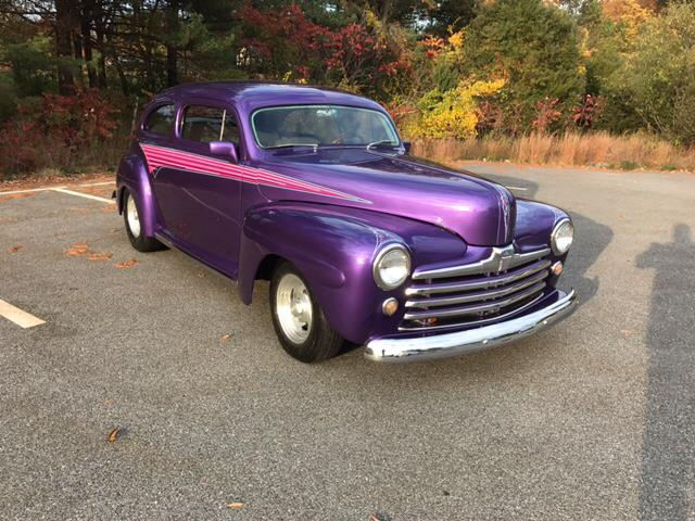 1946 Ford Deluxe | 912397