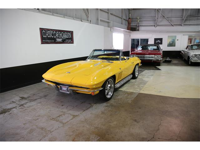 1965 Chevrolet Corvette | 912427