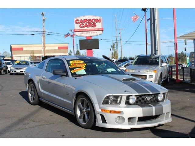 2005 Ford Mustang   912576