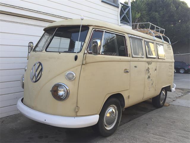 1963 Volkswagen Bus | 912698