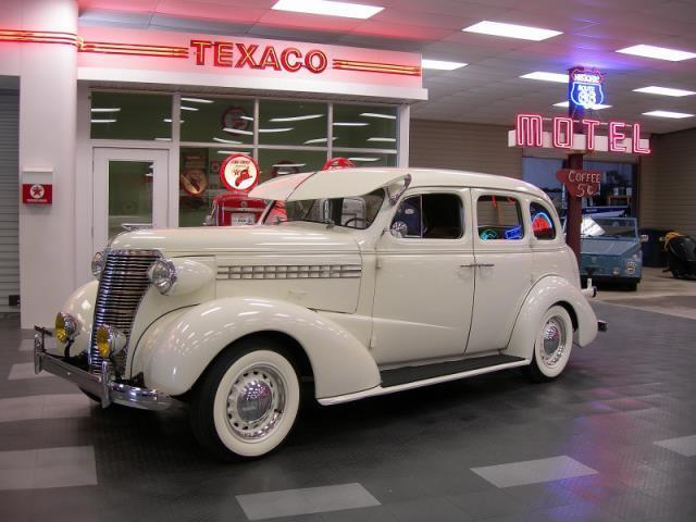 1938 Chevrolet Sedan | 912840
