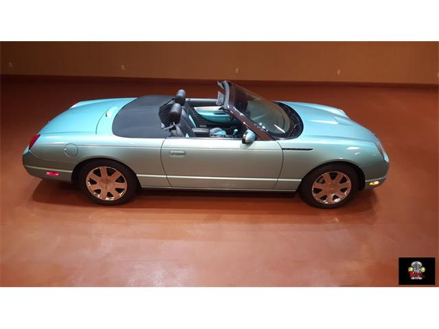 2002 Ford Thunderbird | 912926