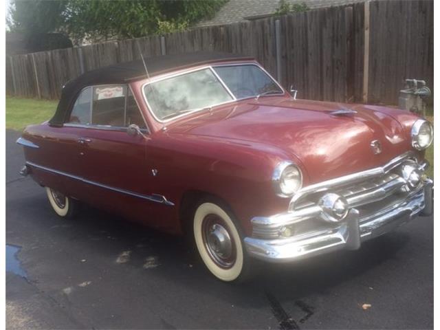 1951 Ford Custom Deluxe | 912995
