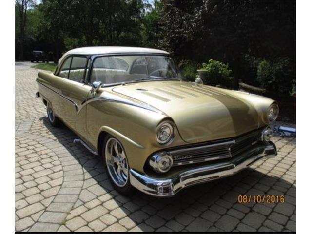 1955 Ford Fairlane Victoria | 913045