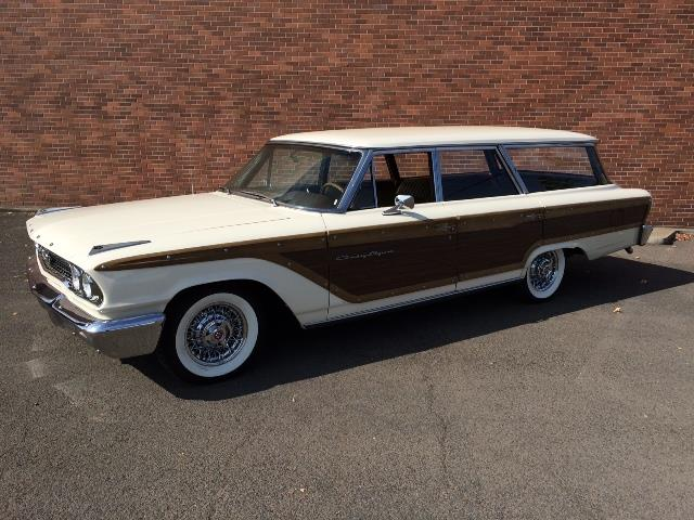 1963 Ford Country Squire | 913193
