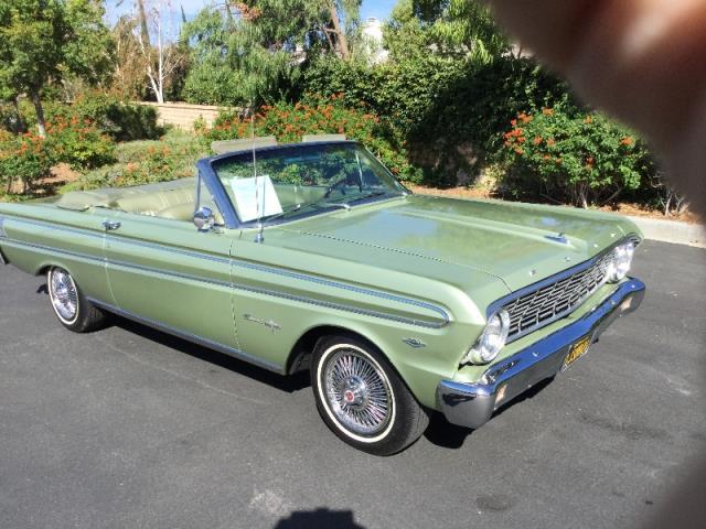 1964 Ford Falcon | 913281