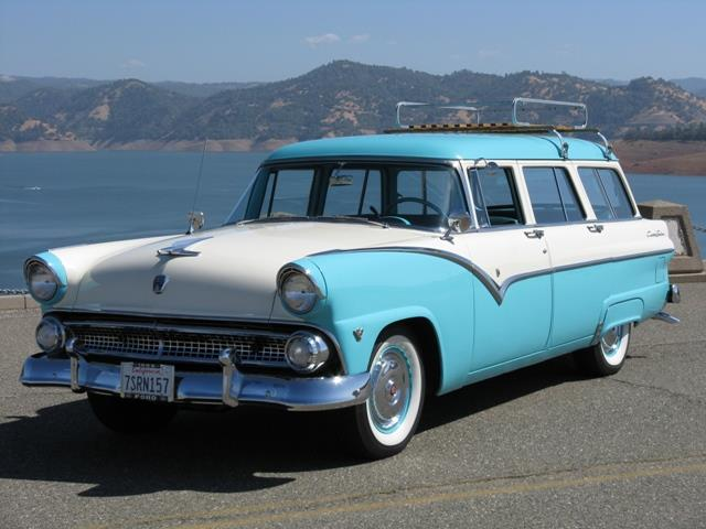 1955 Ford Country Sedan | 913318