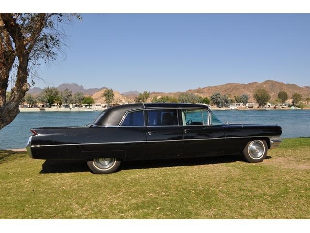 1965 Cadillac Series 75 | 913331