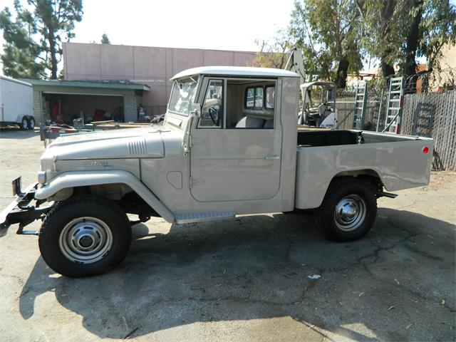 classic toyota land cruiser fj45 for sale on 3 available. Black Bedroom Furniture Sets. Home Design Ideas