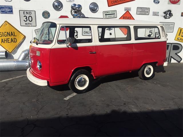 1973 Volkswagen Bus | 913510