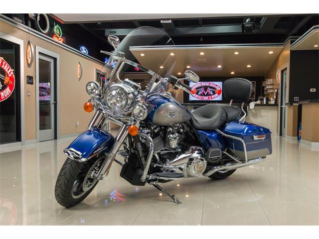 2017 Harley-Davidson Road King | 913718